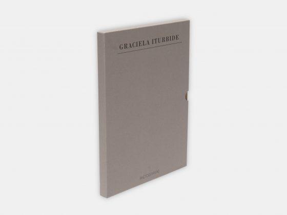 Libro Tiempo Suspendido de Graciela Iturbide en Tienda Malba