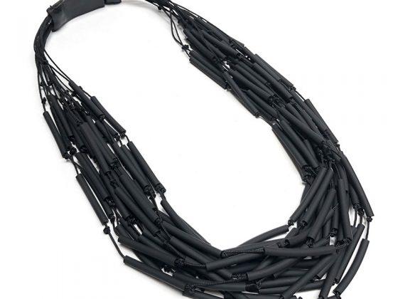 inv20-nido-collar-negro-800