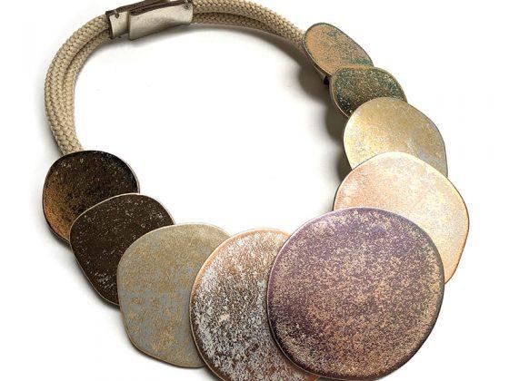inv20-saurio-collar-oro-800