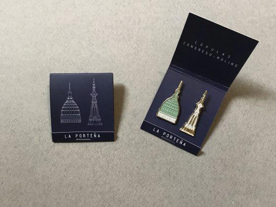 Pins Serie Cúpulas Par Congreso-Molino – Caja porta pin